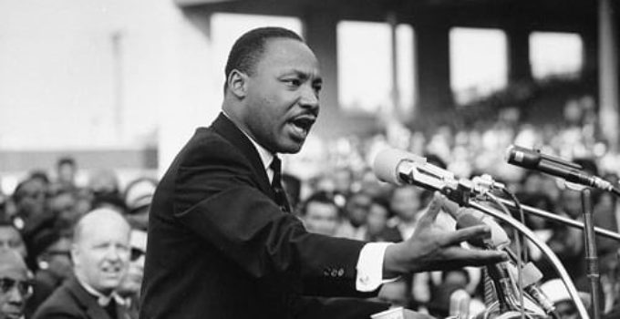 Martin Luther King in Hindi